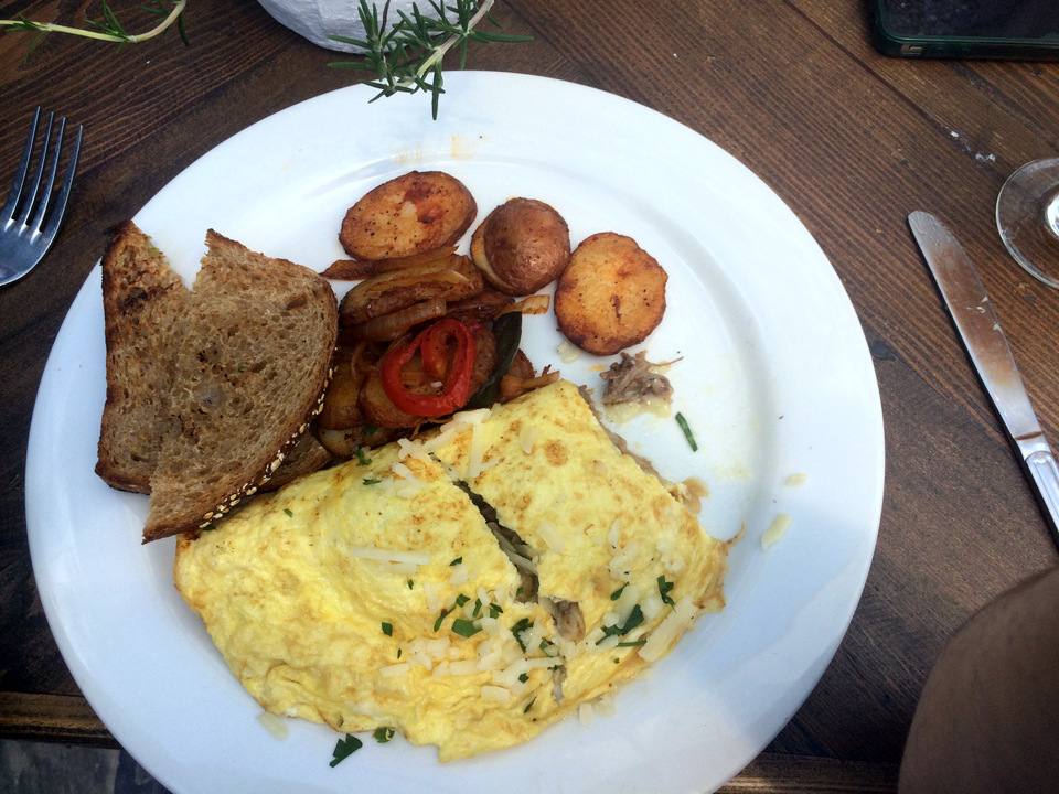 The Whitson Omelet Restauration | Long Beach Retro Row Restaurant | Charla Blue Photography