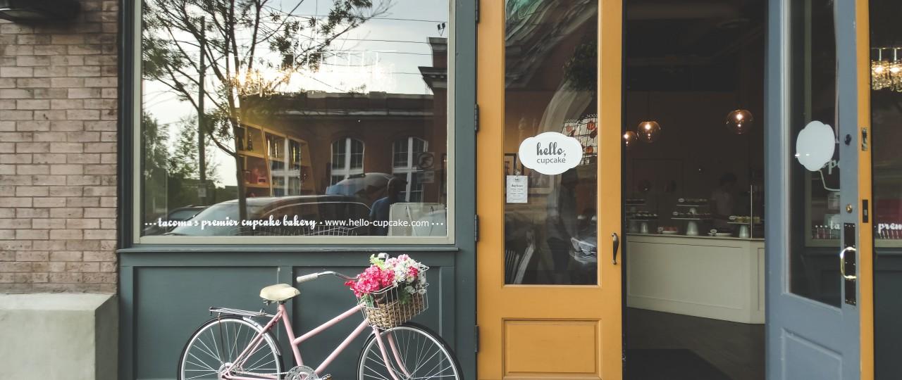Tacoma's Hello Cupcake store
